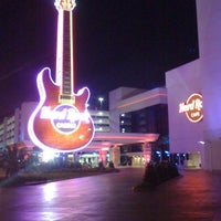 Photo taken at Hard Rock Parking Garage by Kedrick R. on 3/29/2012