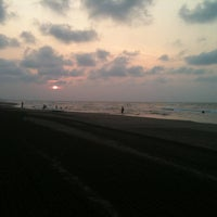 Photo taken at Malecón by Thanyz K. on 3/28/2012