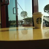 Photo taken at Starbucks by Abdulrahman on 4/14/2012