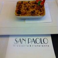 Foto tirada no(a) San Paolo Brasseria & Ristorante por Alberto P. em 8/15/2012