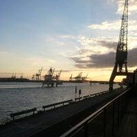 Das Foto wurde bei Au Quai von Desiree L. am 9/1/2012 aufgenommen