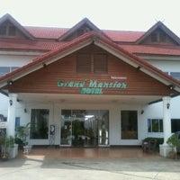 รูปภาพถ่ายที่ Grand Mansion Hotel โดย Kiwi-jkp C. เมื่อ 6/16/2012