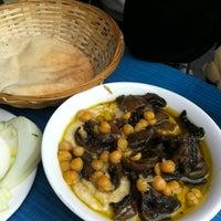 Das Foto wurde bei Hummus Mashawsha von Mats C. am 2/24/2012 aufgenommen