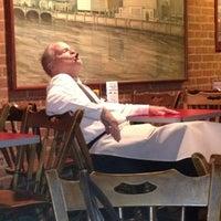 Foto tirada no(a) Plank's Cafe & Pizzeria por Justin em 6/7/2012