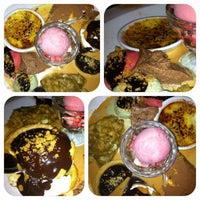 Foto tirada no(a) KOI Restaurant & Gallery por Indira S. em 4/22/2012