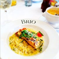 Foto tomada en Brio Tuscan Grille por Seth D. el 2/14/2012