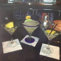 Photo taken at LongHorn Steakhouse by Sara💋🎀 on 3/14/2012