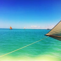 Foto tirada no(a) Praia da Pajuçara por Giseli B. em 4/28/2012