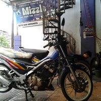 Photo taken at Depo Waroeng Ban by Cazz on 3/19/2012