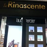 Foto scattata a La Rinascente da Rossano S. il 2/4/2012