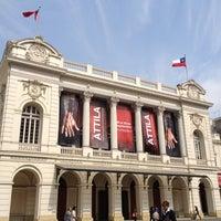 Das Foto wurde bei Teatro Municipal de Santiago von Andres S. am 9/7/2012 aufgenommen