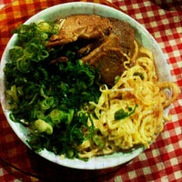รูปภาพถ่ายที่ Hikari โดย Guilherme A. เมื่อ 6/9/2012