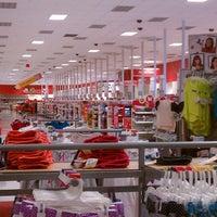 Снимок сделан в Target пользователем BJ L. 8/9/2012
