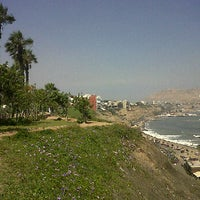 Photo taken at Cancha Fulbito Costa Verde by Ϟ•̸-̶̶▶ JuaήM@.. on 5/30/2012