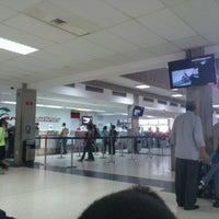 Photo taken at Aeropuerto Internacional La Chinita: Terminal Nacional by Luis P. on 7/11/2012
