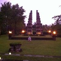Photo taken at The Chedi Club at Tanah Gajah Bali by Phil A. on 1/11/2011