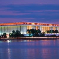 Foto tirada no(a) The John F. Kennedy Center for the Performing Arts por Steven M. em 7/22/2012