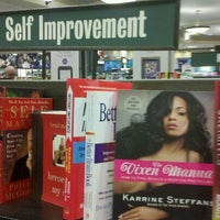 Photo taken at Barnes & Noble by Alexis V. on 9/17/2011