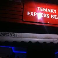 Photo taken at Temaki Beach Express by Julio Cesar F. on 3/7/2011