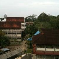 Photo taken at Fakultas Ilmu Sosial dan Ilmu Politik Universitas Mulawarman by Aliza A. on 8/1/2012