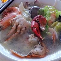 Photo taken at Restoran Hoong Wan by Zey T. on 4/9/2011