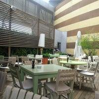 7/21/2012 tarihinde Lusi I.ziyaretçi tarafından Mezzaluna'de çekilen fotoğraf