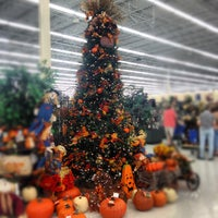 Photo taken at Hobby Lobby by Sarah R. on 9/8/2012