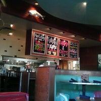 รูปภาพถ่ายที่ Rockfish Seafood Grill โดย Raniah เมื่อ 11/10/2011