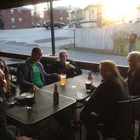 Foto tomada en Maggie's Town Tavern por A. D. el 3/17/2012