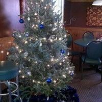 รูปภาพถ่ายที่ Marino's Pizza and Pasta House โดย Tony C. เมื่อ 12/13/2011