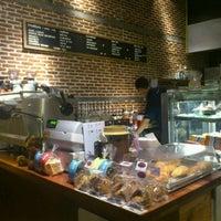 Снимок сделан в Pacamara Boutique Coffee Roasters пользователем Mummy F. 11/27/2011