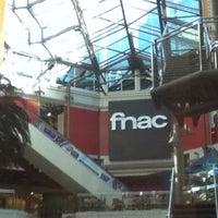 Foto diambil di Fnac oleh Rafael G. pada 3/3/2011