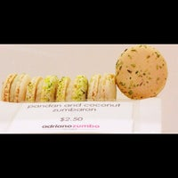 Photo taken at Adriano Zumbo Pâtissier by 高手놀리밑™ on 5/11/2012