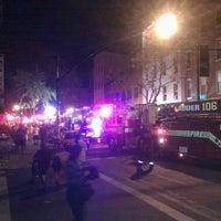 Foto tomada en Mugs Ale House por T. S. C. el 4/16/2012