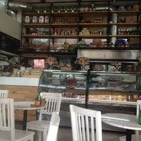 Photo prise au Caffé Toscano par Marisol G. le9/12/2012