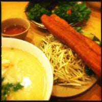 Photo taken at Pho So 1 by Rowella S. on 8/11/2012