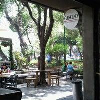 Foto tomada en Cancino Pizza por Zuly Z. el 9/10/2012