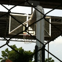 Photo taken at Sheltered Basketball Court 有蓋籃球場 by Herry_ on 6/27/2012