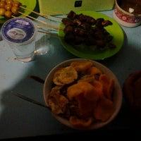Photo taken at Bubur Ayam Jakarta by Arga W. on 4/24/2012