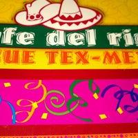 4/19/2012にKacie A.がCafe Del Rioで撮った写真