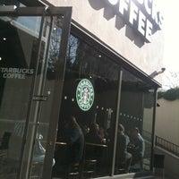 2/13/2012 tarihinde Ayça Z.ziyaretçi tarafından Starbucks'de çekilen fotoğraf