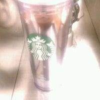 Das Foto wurde bei Starbucks von Christian H. am 11/25/2011 aufgenommen