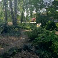 Das Foto wurde bei Katie Black's Garden von Michael W. am 5/19/2012 aufgenommen