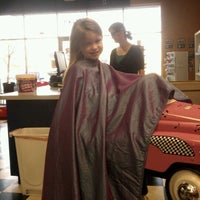 Photo taken at Hair Diddle Diddle by Teresa M. on 12/22/2011