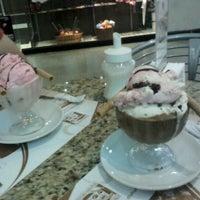 Photo taken at Café Blanco by Homero T. on 2/1/2012