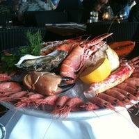 Das Foto wurde bei Louise Restaurant & Bar von Marco am 8/18/2012 aufgenommen