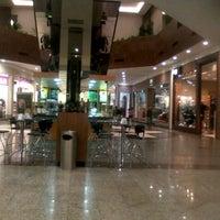 Foto tirada no(a) Shopping Neumarkt por Leone N. em 6/6/2012
