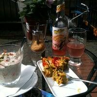 Das Foto wurde bei Cafe Coo Coo von Phylax am 8/27/2011 aufgenommen
