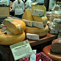 Photo taken at Cowgirl Creamery by Ellen L. on 6/7/2012