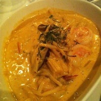Photo taken at Mengrai Gourmet Thai by Mariel G. on 2/10/2012